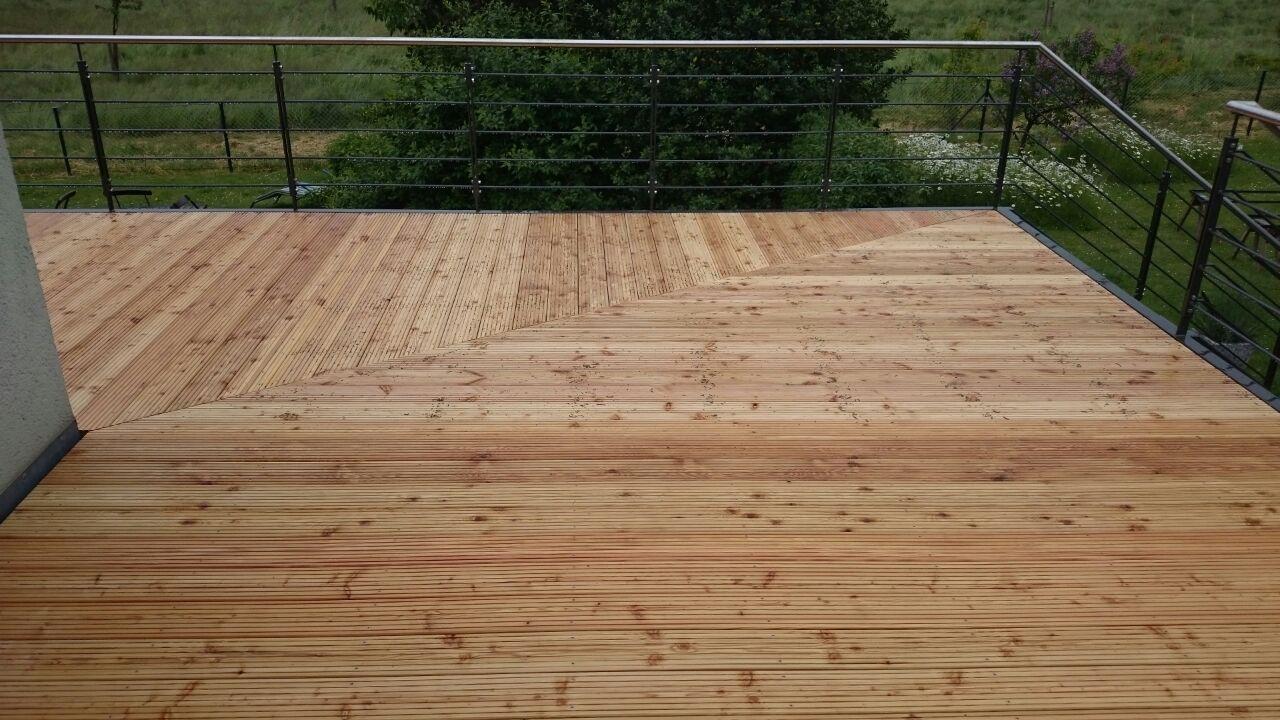Pflege von Holzterrassendielen